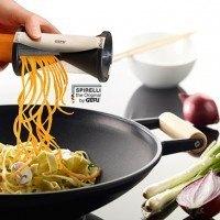 Spirelli sobre wok